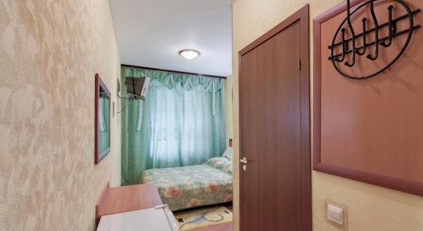 Отель Эстера
