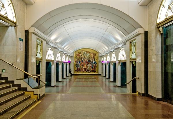 Станция метро «Звенигородская»