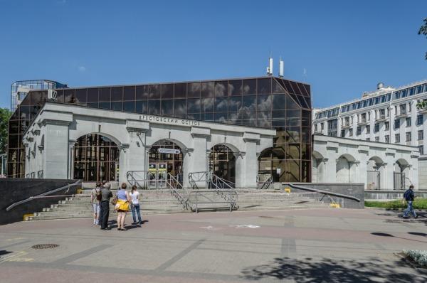 Станция метро «Крестовский остров»