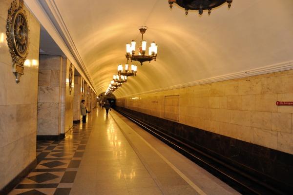 Станция метро «Нарвская»