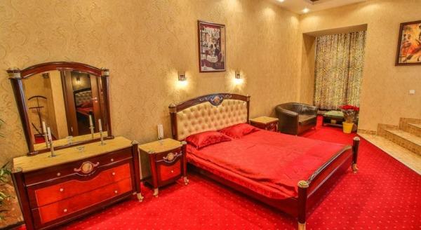 Алекс Отель на Марата 73