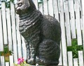 Памятник поэтессе Эдит Сёдергран и ее коту