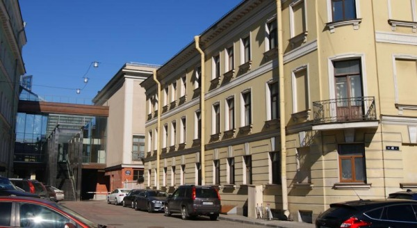 Fontanka Apartment