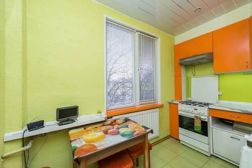 Apartments on Aleksandrovskoy fermi 5