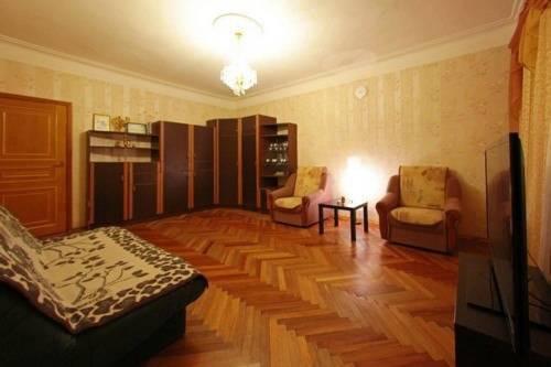 Апартаменты на Бакунина