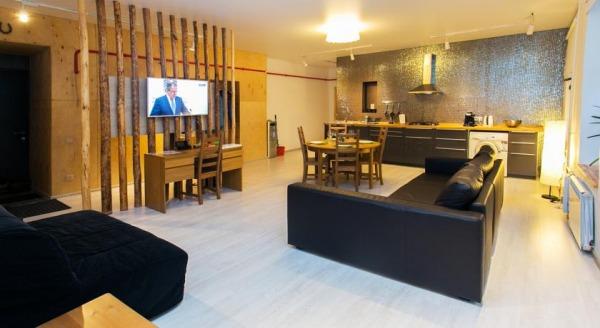 Apartment Konyushennaya