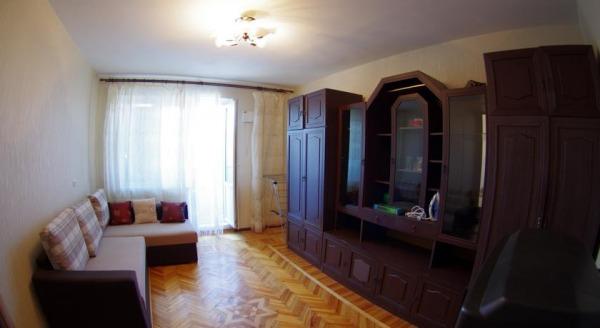 Apartments on Yakhtennaya 37