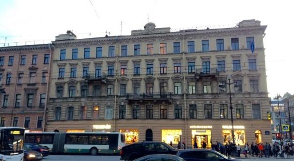 Nevsky 73 Apartments with balcony