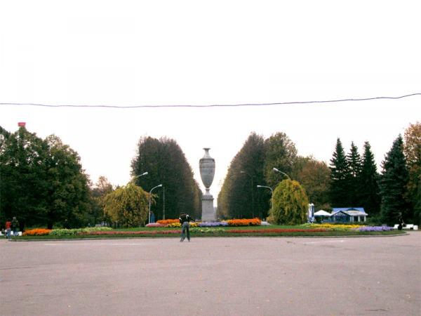 Центральная площадь Приморского парка