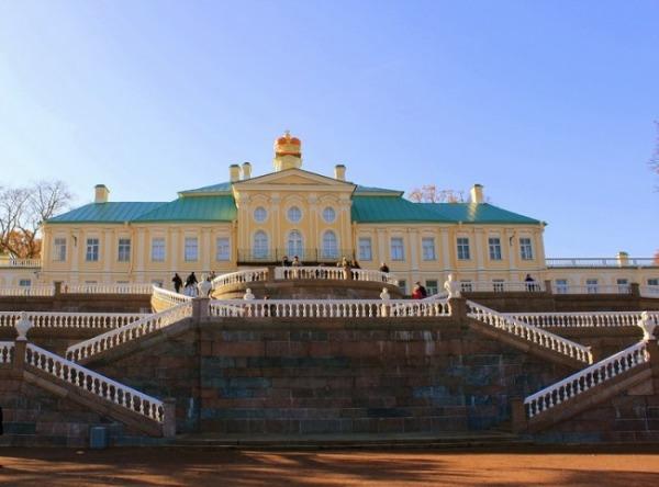 Большой Меншиковский дворец, музей