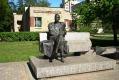 Памятник Михаилу Зощенко
