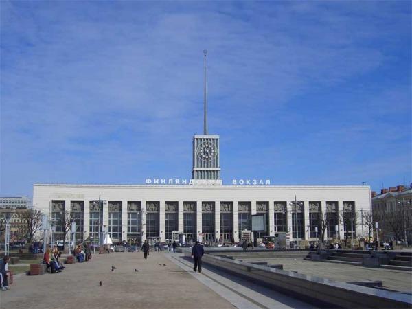 Площадь Ленина перед Финляндским вокзалом