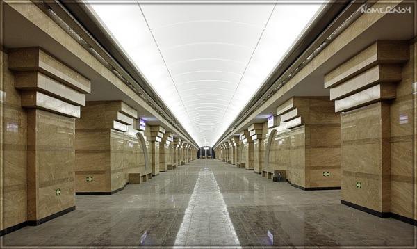Станция метро «Спасская»