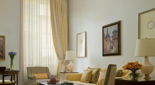 Отель Four Seasons Lion Palace